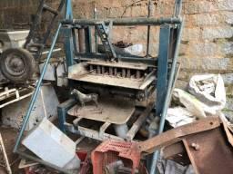 Máquina para Fabricacao de Bolocos em Concreto