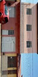 Ponto comercial com garagem e casa no primeiro andar
