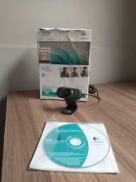Webcam Logitech C210 de barbada! Instalada no seu endereço