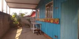 Terreno com 3 casas Araucária prox. Curitiba, 360m², esquina, 15x24m, 150m Rod. Xisto