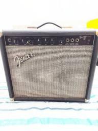 Amplificador Fender Frontmam 25R Made in México