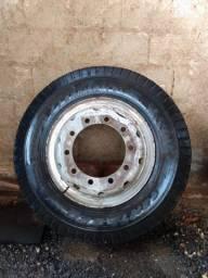 Pneu Pirelli 900-20