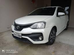 Toyota Etios Sedã Platinum - Automático