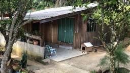 vende-se duas casas em balneário Camboriú