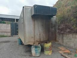 Baú frigorífico gancheira 8 m e meio