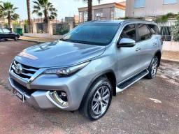 Toyota Hilux SW4 SRX 2.8 ano 2020 7 Lugares 4x4 apenas 19.000km