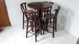 Mesa Bistrô de angelim com 4 cadeiras