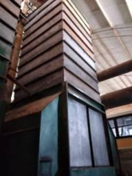 Vendo secador e caixas de armazenamento interno