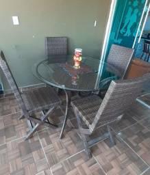 Mesa de vidro trançada com 4 cadeiras
