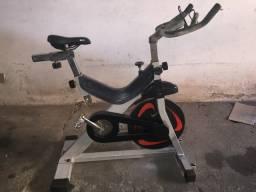 Vendo bike Spinning Lion LF 480 R$1.800