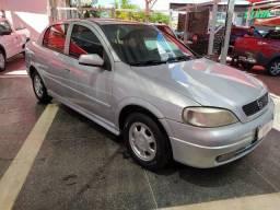 Astra Sedan GLS 2.0 2000/00 Temos Corolla Voyage Gol Classic Fiesta Saveiro Strada Siena