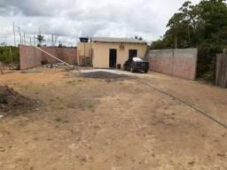 Casa na comunidade Maraágua, km 7 Em Balbina.