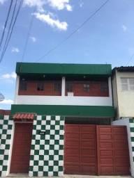 Título do anúncio: Alugo Duplex em Garanhuns, no bairro São José, por trás do Mosteiro de São Bento