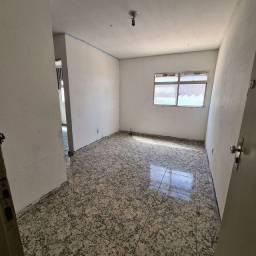 Apartamento em Rio Doce na 4º etapa no primeiro andar com garagem.