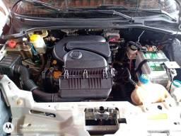 Lavagem detalhada do motor.