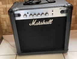 Amplificador Marshall MG Carbon Fibre MG15CF  - Cubo Transistor - 40w - Guitarra