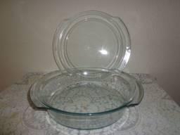 Pirex Grande redonda com tampa de vidro. Excelente Qualidade.