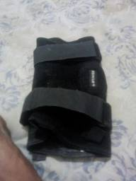 Joelheira ortopédica