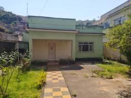 Oportunidade - Casa com excelente terreno na melhor área do Retiro