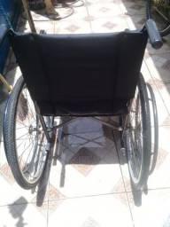 Cadeira de Rodas Cds R $ 350.00 a vista ou no Cartão de crédito