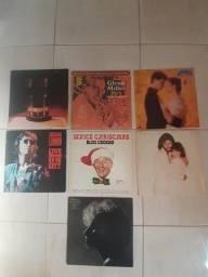 43 discos de vinil (LP's) + alguns livros e revistas.