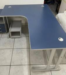 Título do anúncio: Mesa para escritório (gaveteiro não incluso)
