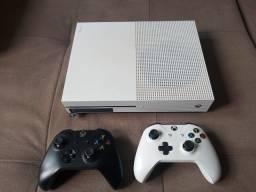 Xbox one S Branco - 2 Controles