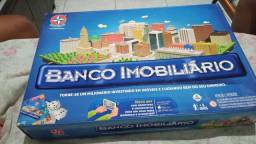 Vendo jogo banco imobiliário semi novo , usado pouquíssimas vezes