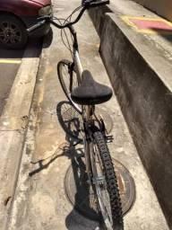 Bicicleta agressor aro 26 18 marchas