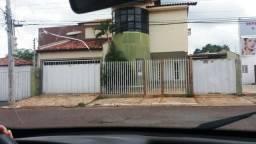 Casa Sobrado, 4/4 com 2 Suites Prox. A Todimo
