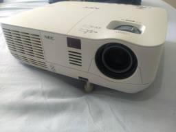Projetor NEC V260r