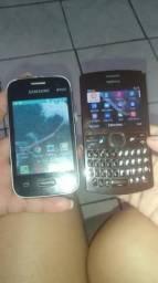 Dois celulares Samsung e Nokia