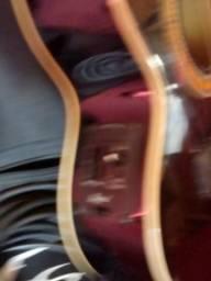 Vendo cavaquinho elétrico com capa e cabo de 5M