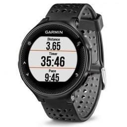 """Relógio Garmin Forerun 235 1.23""""/GPS/Sensor de Frequência Cardíaca/Acelerômetro ? Preto"""