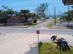 Excelente apartamento localizado na Barra do Saí a menos de 100 metros da praia