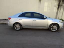 Carro Kia Cerato automático ano 2012 1.6