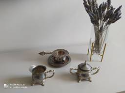 Maravilhoso Conjunto de Chá Antigo