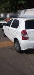 Vendo Toyota Etios top