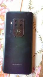 Motorola One Zoom Novo