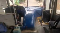 Ônibus urbanos a venda n precinho