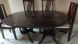 Mesa usada de madeira maciça de 2 tamanhos (raridade) com 6 cadeiras