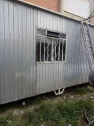 Alugo container com banheiro  450 mês