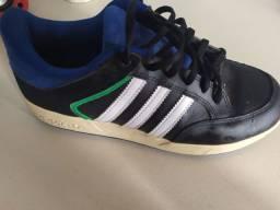 Tênis adidas(tamanho 37)