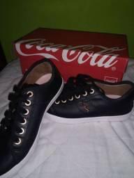 Vendo tênis seminovo da Coca-Cola original 80 reais