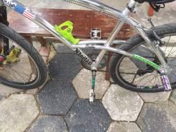 Bicicleta caloi aro 26 de alumínio