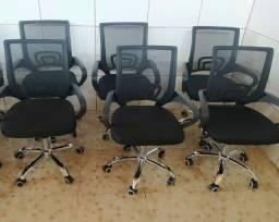 Cadeira giratória para escritório e estudo. Produto novo