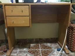 Mesinha/ escrivaninha