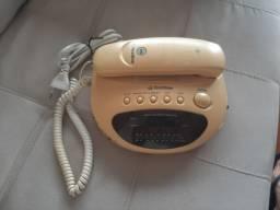 Aparelho de telefone fixo com rádio e despertador