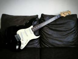 Guitarra Squier Stratocaster Black Original - Avalio trocas