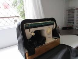 Máquina Costura - Impecável
